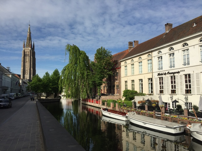 Calm canals of Bruges