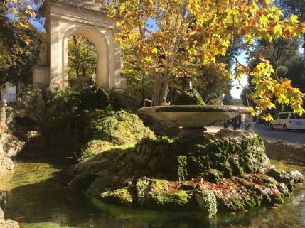 A beautiful fall morning walking in the Villa Borghese