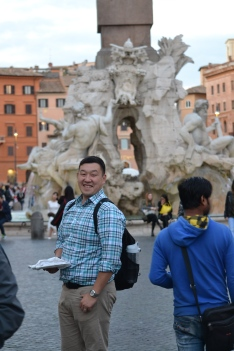 Enjoying the sights of Piazza Navona