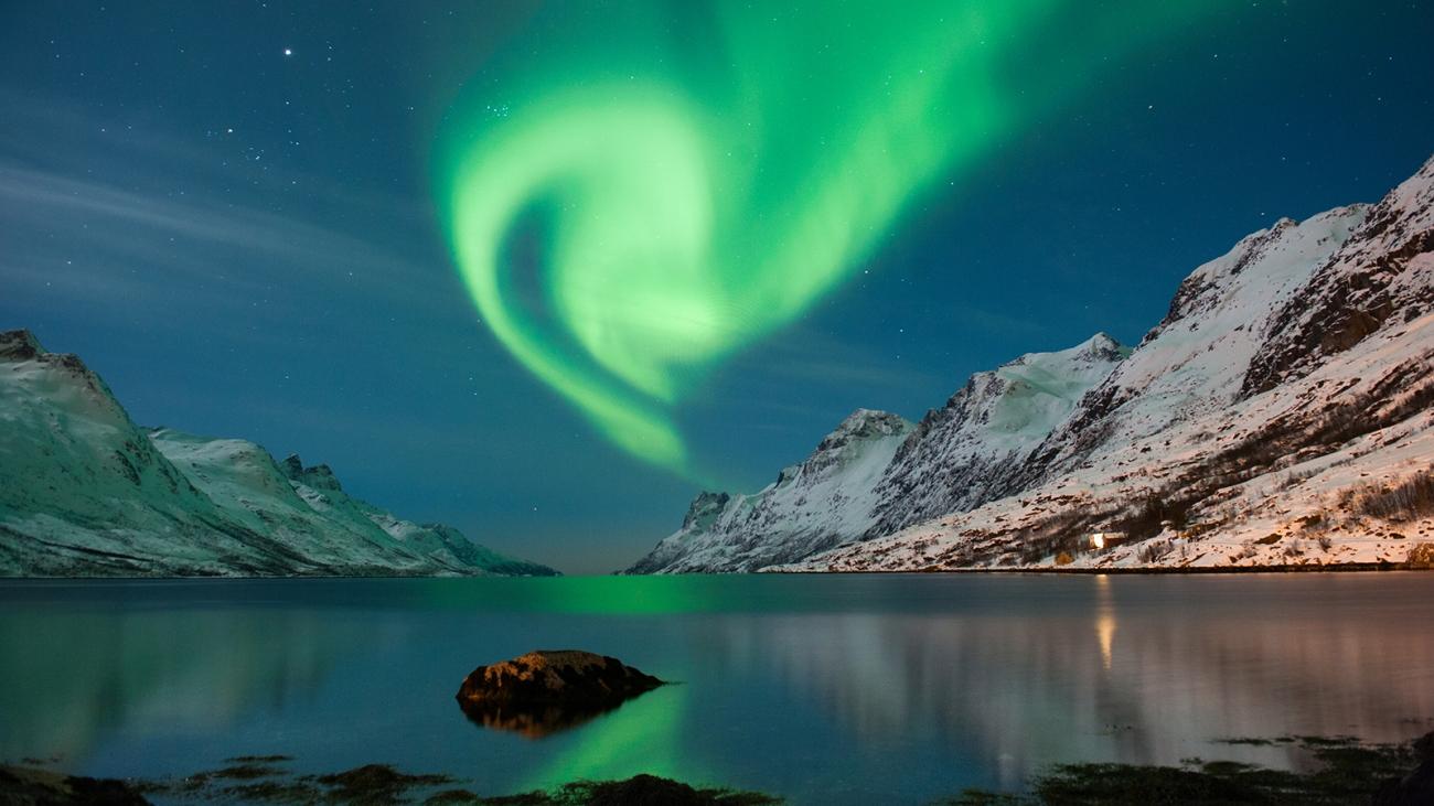 norway-northern-lights.ngsversion.1396531721037